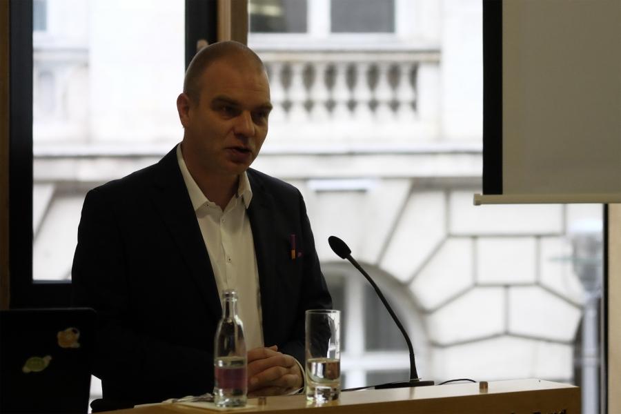Grußwort von Staatssekretär Malte Krückels; (c) Foto: Michael Schnell