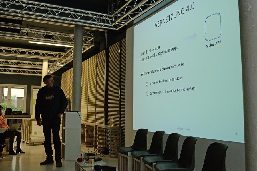 Vortrag: Kinderseitenlandschaft  -mobil und vernetzt -  das zukunftsweisende Potential dezentraler Strukturen, Stefan Müller, Blinde-Kuh e.V