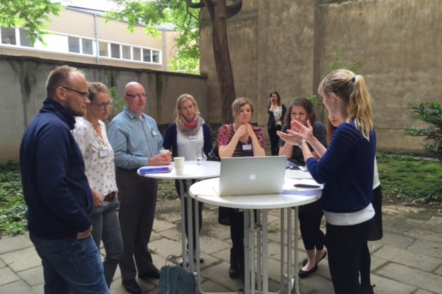Praxisnahe Expertenberatung an Tisch 3: Seitenaufbau, Usability, Navigation, Text- und Bildredaktion: Kathrin Heidtmann