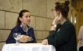 Mittagspause: Teilnehmerinnen im Gespräch;  (c) Foto: Michael Schnell